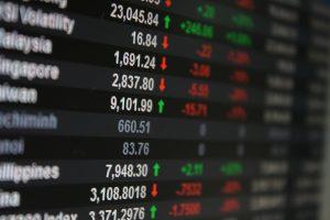 【確定申告スペシャル①】上場株式は個人と法人のどちらで買うべきか?